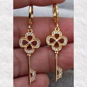 Jewelry - 2/$20...18K Gold Filled Key Dangle Earrings